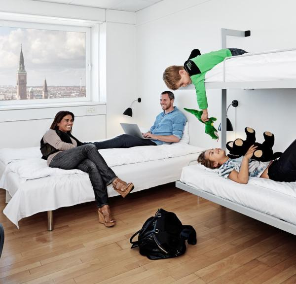 Family at a room at Danhostel Copenhagen City